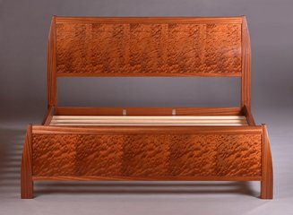 Shown here with ribbon Sapele frame and quilted Sapele matched panels. King size.
